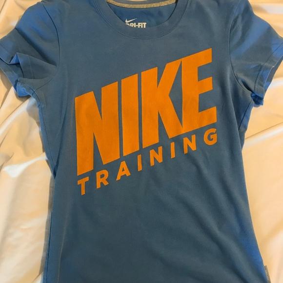 Nike Tops - Nike Dri Fit Workout T-shirt